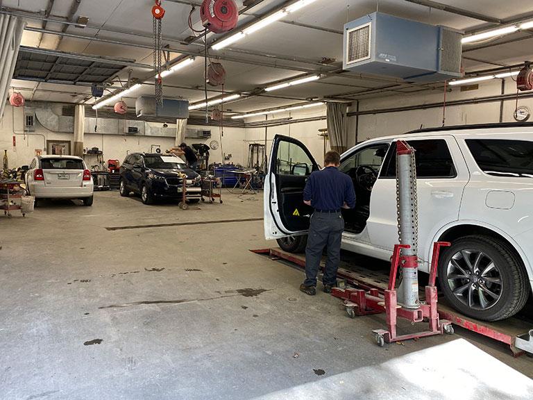 Auto Body Repair Near Me >> Cookson S Collision Center Auto Body Shop Auto Paint Shop